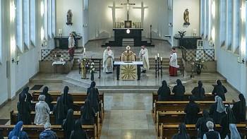Messe anlässlich des 200. Geburtstages der Clara Fey: Weihbischof Dr. Johannes Büntgens würdigte das Schaffen der großen Aachener Ordensfrau.Foto: Michael Lejeune